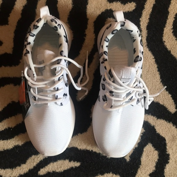 06cee68448b2 Women s White Leopard Nike Tennis Shoes NWT